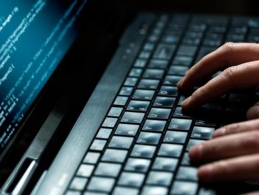 Атаки хакеров на большие банки зафиксировалЦБ