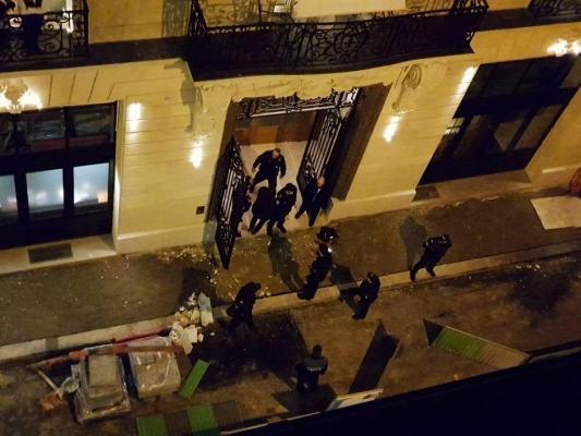 Встолице франции преступники стопорами украли драгоценности насумму 4млневро