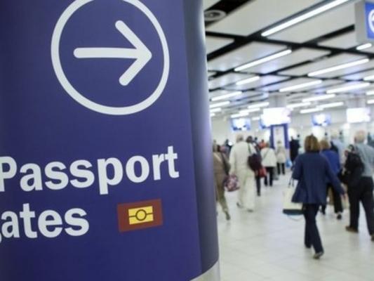 Лондон введет ограничение на заезд трудовых мигрантов после Brexit